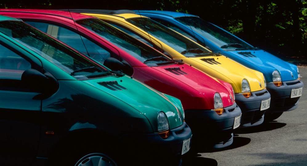 Les quatre couleurs originales de la toute première Twingo : il n'y a pas d'autre choix, c'est à prendre ou à laisser !